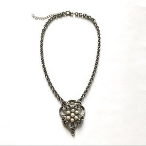 Vintage 90's Gothic Pearl Heart Choker